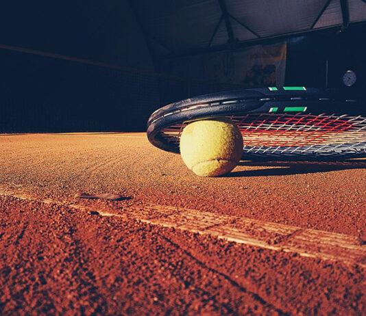 Jaką taktykę wybrać w zaawansowanym tenisie?